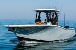 2018 - Tidewater Boats - 320 CC Adventure