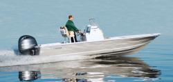2019 - Tidewater Boats - 2110 Bay Max