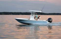2019 - Tidewater Boats - 2200 Carolina Bay