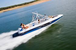 Tige Boats 21i Ski and Wakeboard Boat