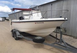 1999 - Boston Whaler Boats - 17 Outrage