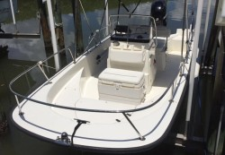 2009 - Boston Whaler Boats - 170 Montauk