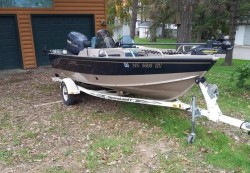 2000 - Lund Boats - 1650 Angler SS