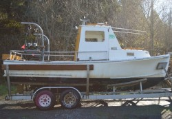 1976 - Boston Whaler Boats - 17 Bass Boat