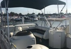 1998 - Playbuoy Boats - Marquis 2423 Sundeck