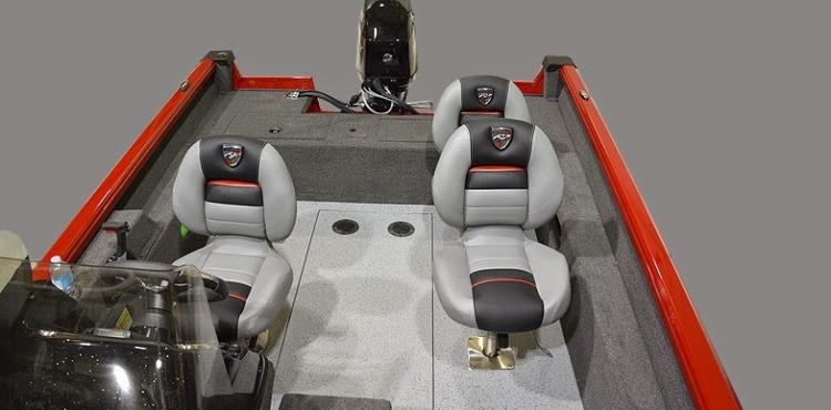 l_168dv_cockpit