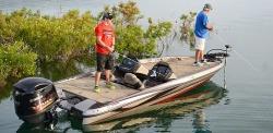 2015 - Triton Boats - 19 TRX