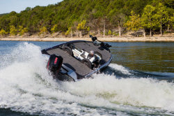 2020 - Triton Boats - 19 TRX Patriot
