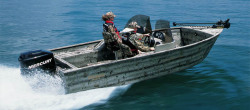 Triton Boats Frontier 17DC Hunting and Duck Boat