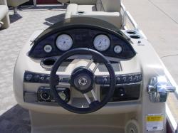 2008 - Bentley Pontoon Boats - 243 Cruise Tri Tube