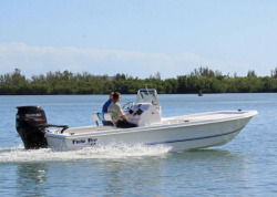2014 - Twin Vee Boats - 22 Bay Cat