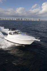 2017 - Viking Yacht - 42 SC
