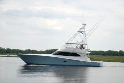 2017 - Viking Yacht - 82 C
