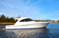 2019 - Viking Yacht - 52 SC