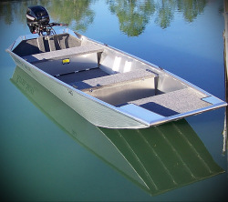 2013 - Xtreme Boats - River Skiff 1548T